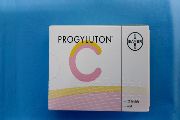 Progyluton  Estradiol Valerate  and Norgestrel  يستخدم كمانع للحمل